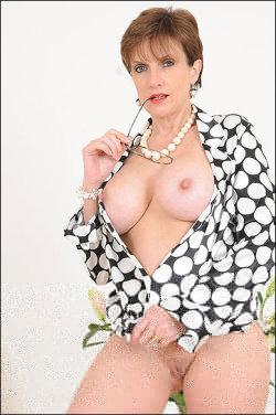 lady sonia pics  3